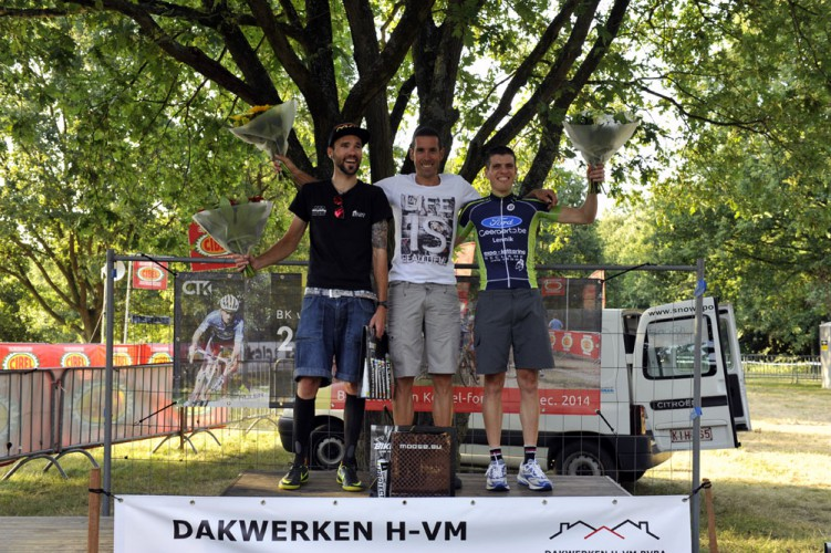 antwerp-6-hours-solo-podium
